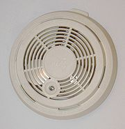 180px-Residential_smoke_detector[1]