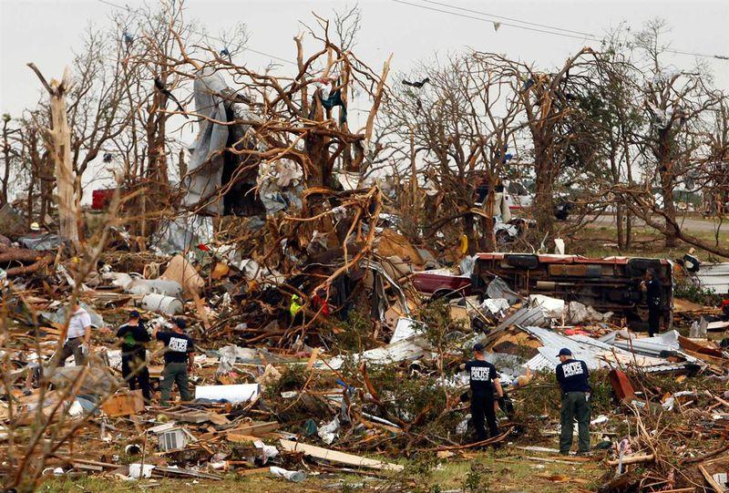 Texas-tornado-distruction